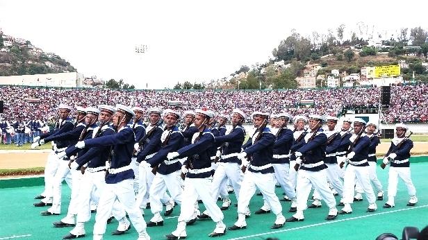 L'armée de Madagascar. - Page 3 311