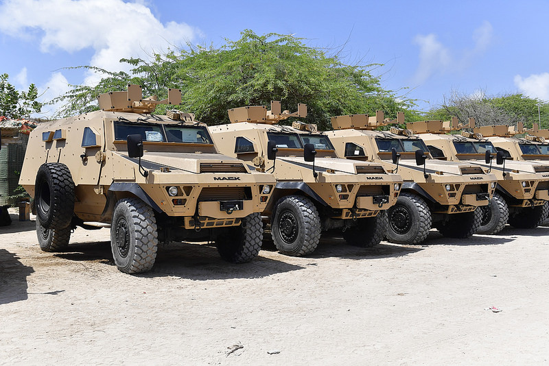 Armée Ougandaise/Uganda Peoples Defence Force (UPDF) - Page 5 329