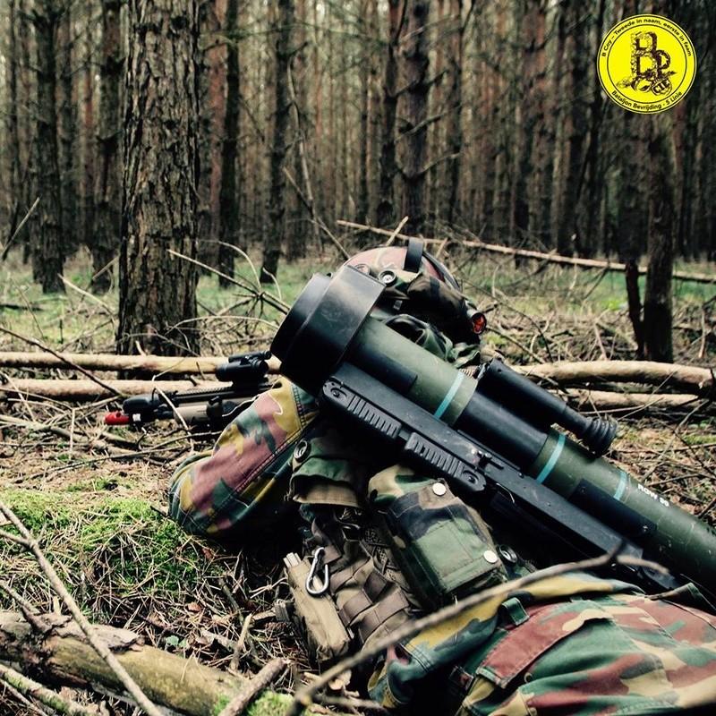 Armée Belge / Defensie van België / Belgian Army  - Page 12 437