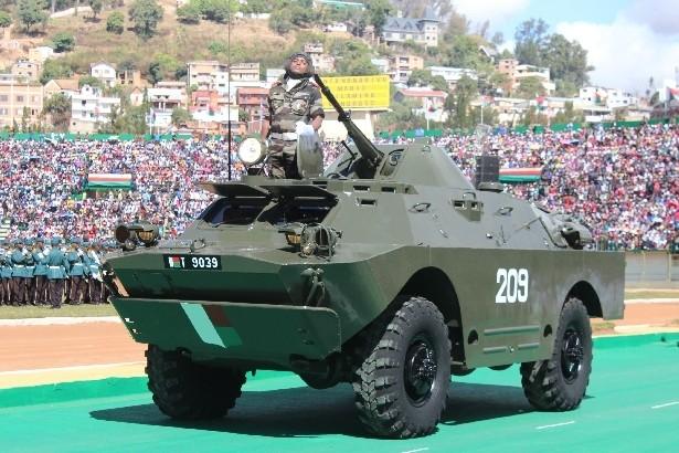 L'armée de Madagascar. - Page 3 911