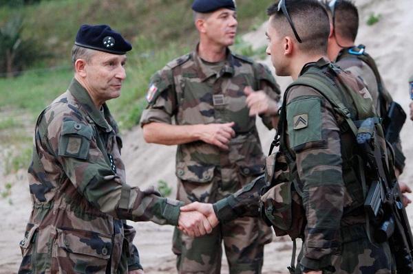 Armée Française / French Armed Forces - Page 8 9825