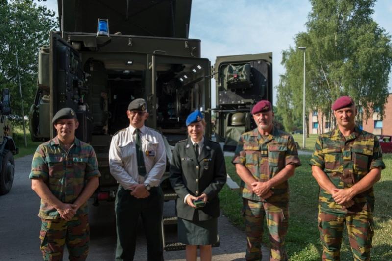Armée Belge / Defensie van België / Belgian Army  - Page 11 98g11