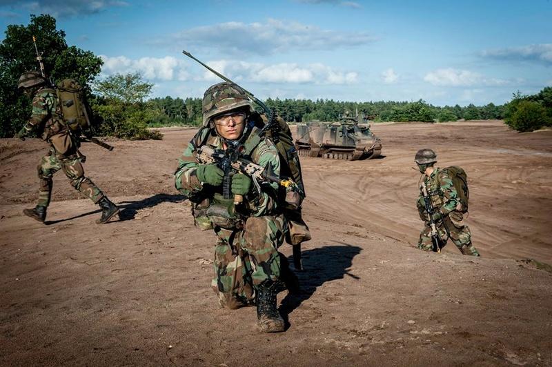 Armée Hollandaise/Armed forces of the Netherlands/Nederlandse krijgsmacht - Page 20 9952
