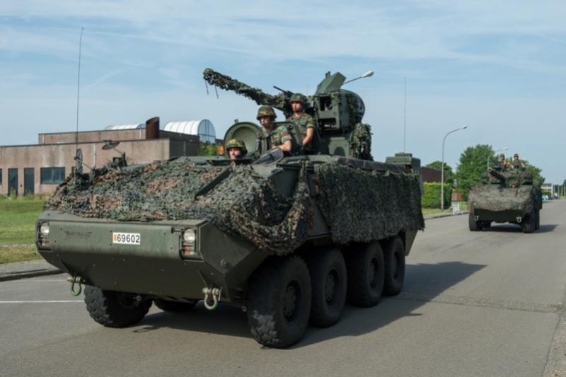Armée Belge / Defensie van België / Belgian Army  - Page 11 9957