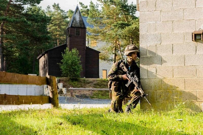 Armée Hollandaise/Armed forces of the Netherlands/Nederlandse krijgsmacht - Page 20 99b49