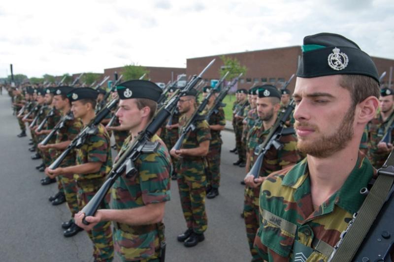 Armée Belge / Defensie van België / Belgian Army  - Page 11 99c55