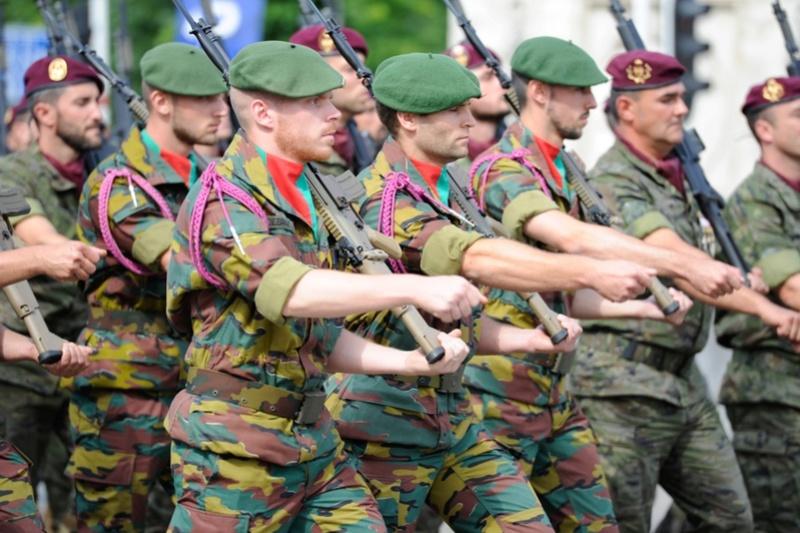 Armée Belge / Defensie van België / Belgian Army  - Page 11 99h40
