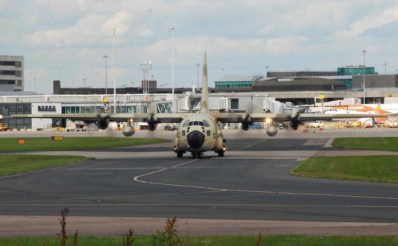 FRA: Photos d'avions de transport - Page 31 99i18