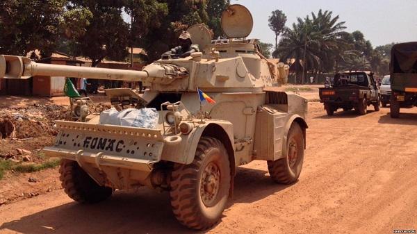 Armée Tchadienne - Page 6 Aml_9010