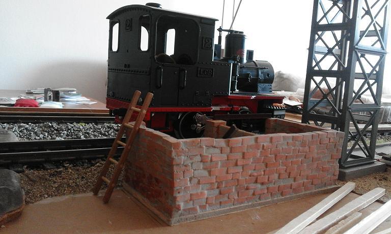 Construcció d'una carbonera d'inspiració lliure. A_419