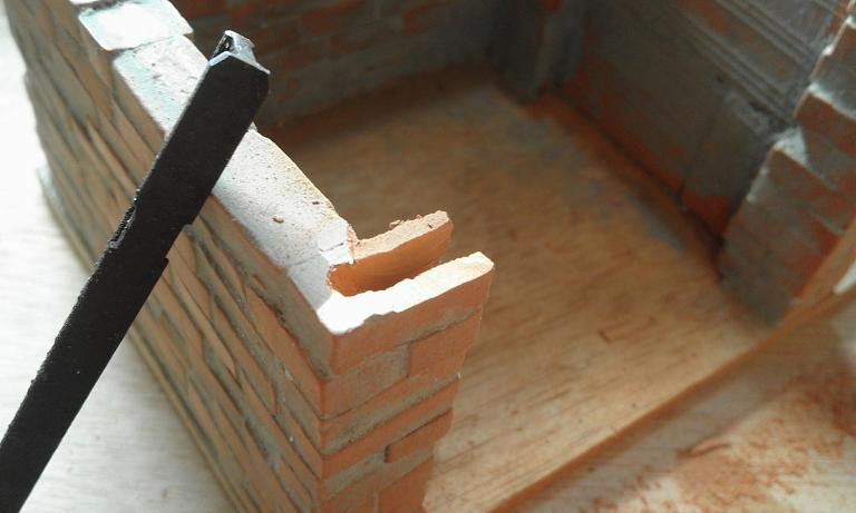 Construcció d'una carbonera d'inspiració lliure. A_615