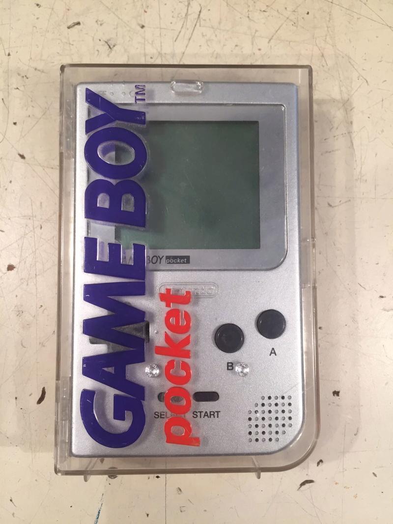 EST _ Jeux GB en boîte et console GB pocket  Img-2042