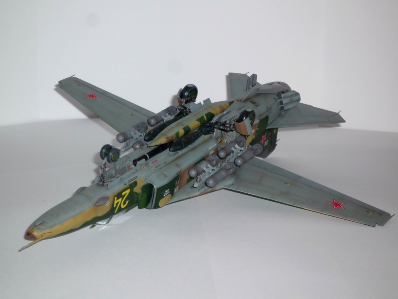 """MiG-27 """"Flogger-D""""; Trumpeter 1/48 - Page 5 P1100324"""