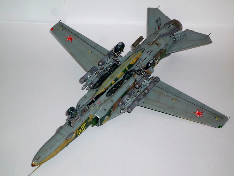 """MiG-27 """"Flogger-D""""; Trumpeter 1/48 - Page 5 P1100414"""
