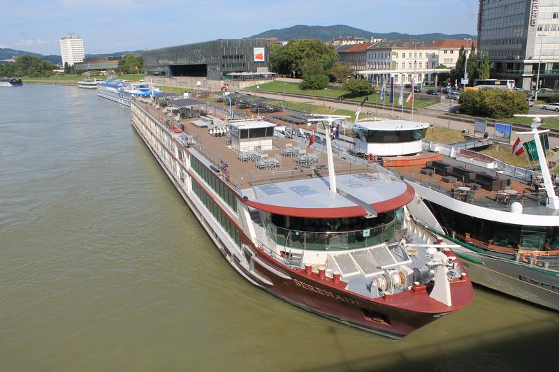 Danube photos Img_3410