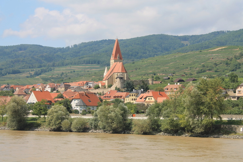 Danube photos - Page 2 Img_3916