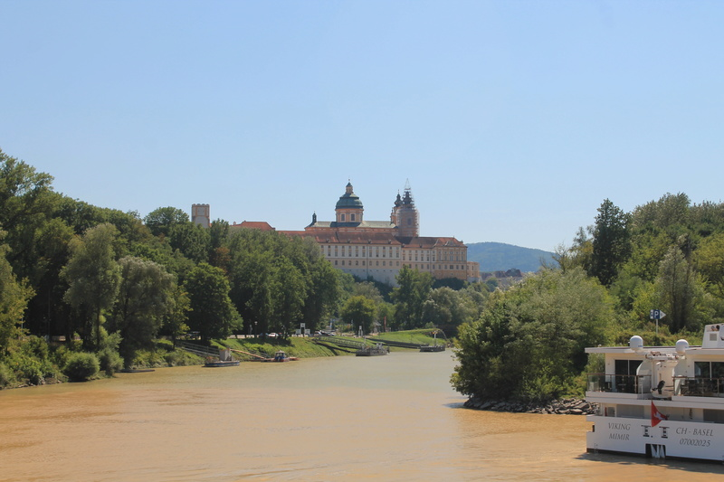 Danube photos - Page 2 Img_4011