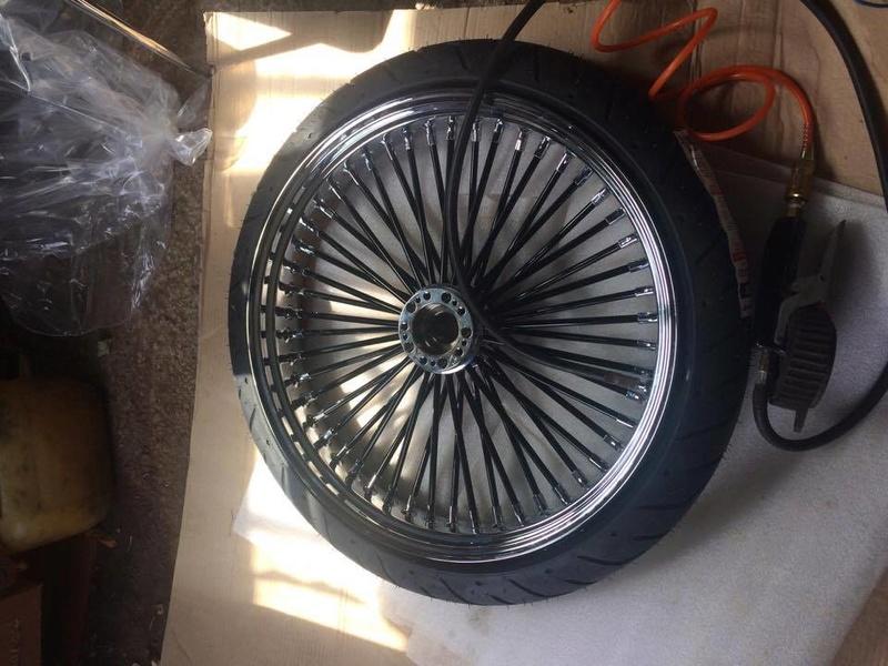 roue de 21 '' sur road king - Page 4 20732810