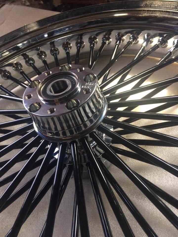 roue de 21 '' sur road king - Page 4 20750410