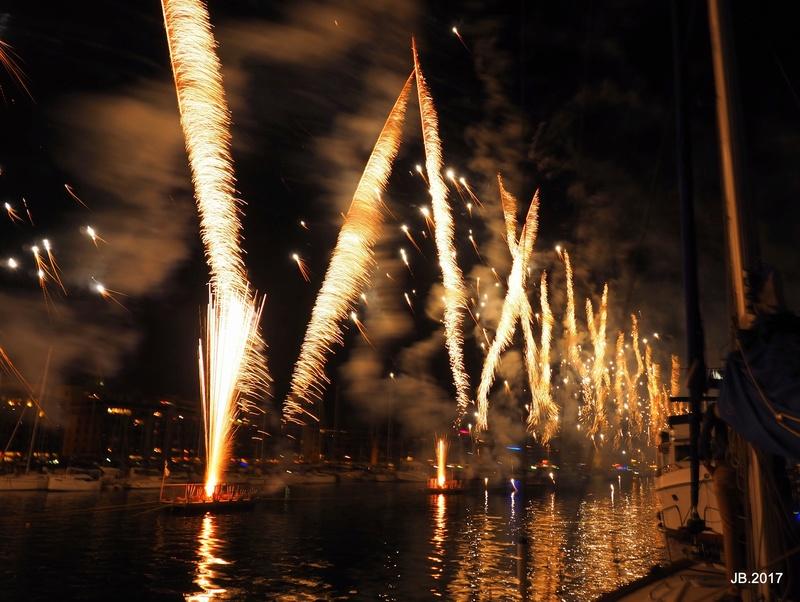 Vieux Port, Marseille, feu d'artifice .. P7151610