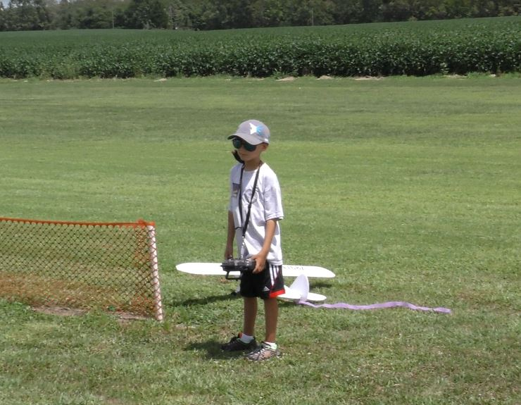 Celebrating National Model Airplane Day with the Marion Sky Squires and the Breezy Hill Flyers 7_810