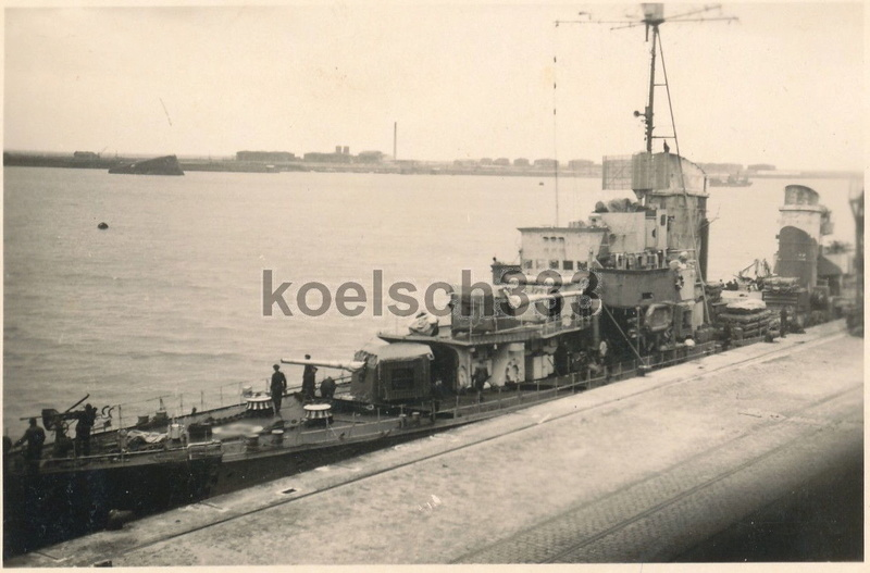 Destroyers allemands - Page 2 1942_116