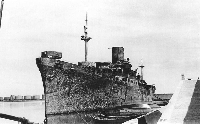Les paquebots et cargos armés en guerre  3epave10