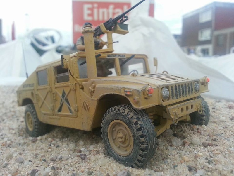 M1025 Armored Carrier 1/35 Academy Hummer11