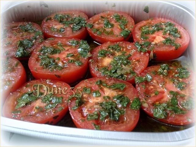 Une petite entrée de tomate et bocconcini Ind7qc11