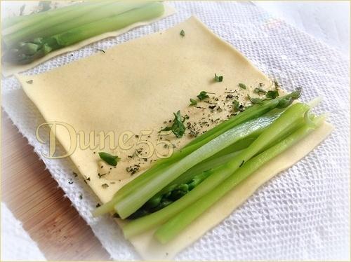 Cannellonis d'asperge, crème au cerfeuil, râpé de raifort Ulbssm10
