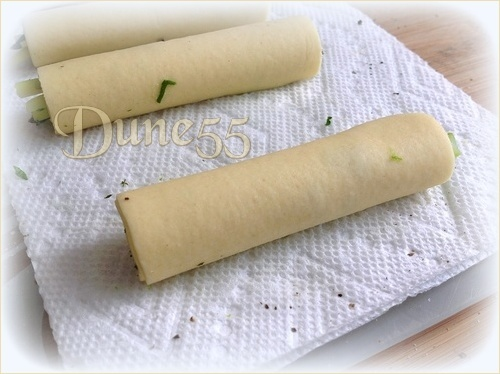 Cannellonis d'asperge, crème au cerfeuil, râpé de raifort Xlfr9t10