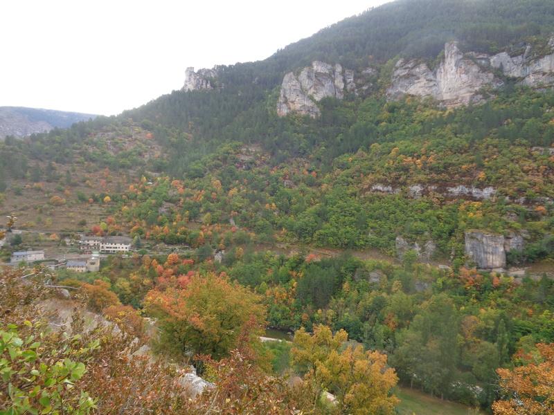 Ce dimanche 1 er octobre nous pélerinions avec Sainte Enimie.  Dsc01711