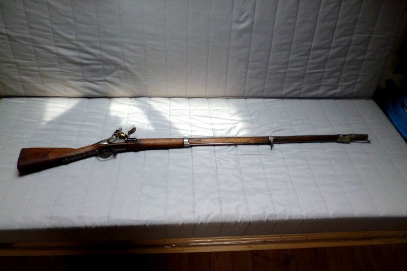 Demande de renseignements sur ce fusil d'infanterie à silex P1050116