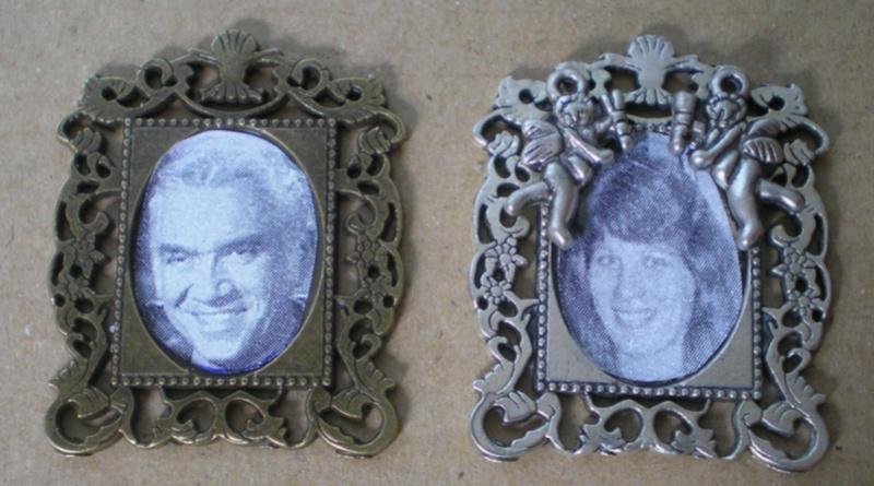 Ranch Ponderosa mit Plastik-Möbeln in der Figurengröße 9 cm 023b2_10