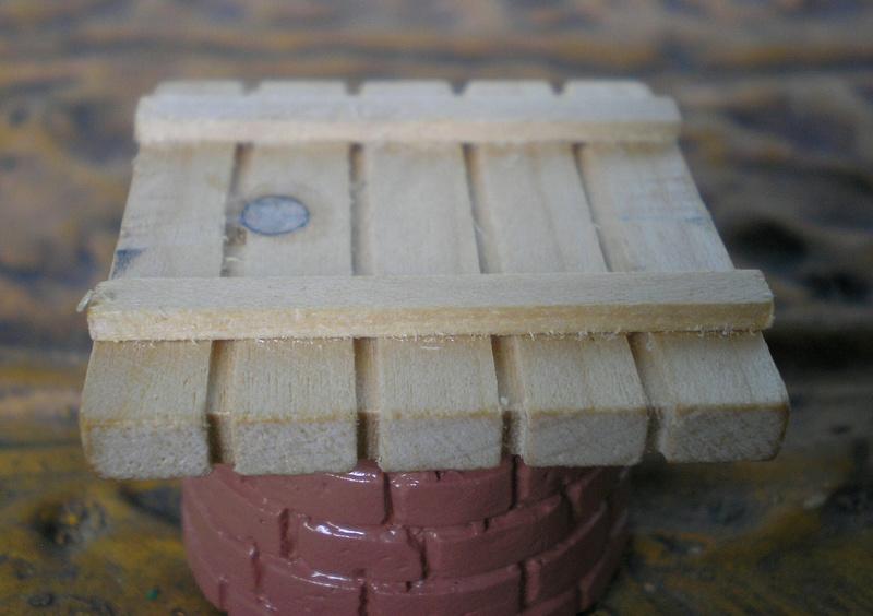 Ranch Ponderosa mit Plastik-Möbeln in der Figurengröße 9 cm 024c1_10