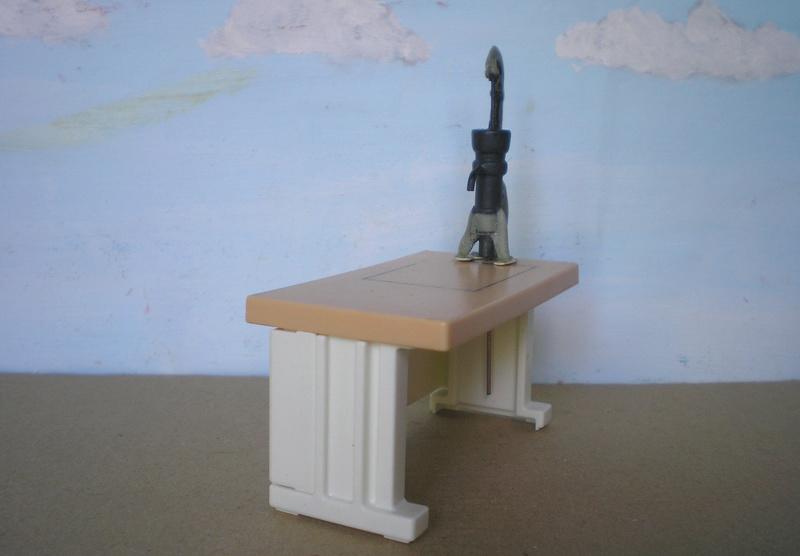 Ranch Ponderosa mit Plastik-Möbeln in der Figurengröße 9 cm 024d5a10