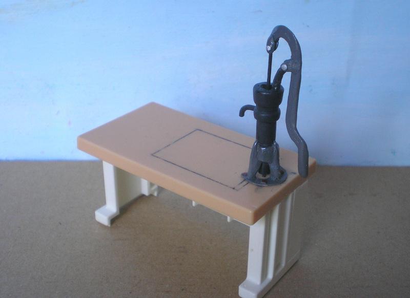 Ranch Ponderosa mit Plastik-Möbeln in der Figurengröße 9 cm 024d5c10