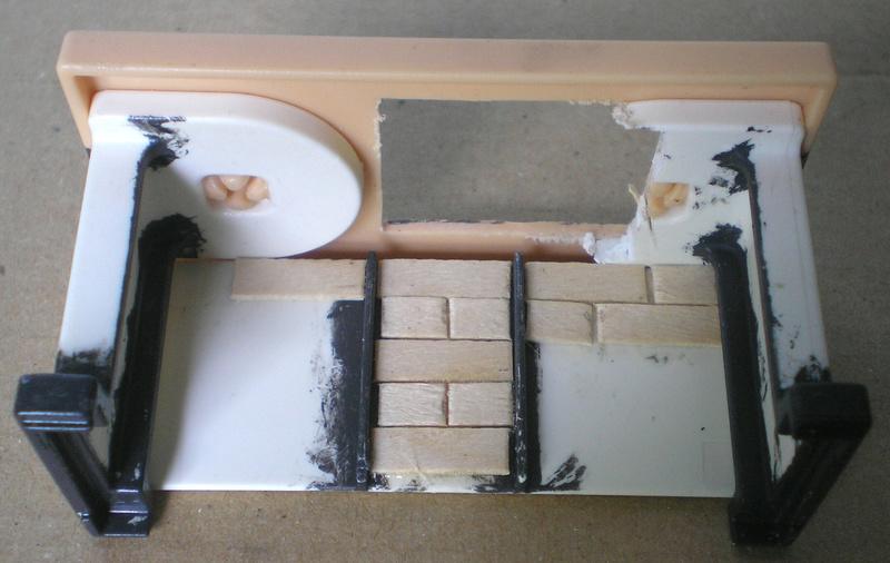 Ranch Ponderosa mit Plastik-Möbeln in der Figurengröße 9 cm 024e3b10