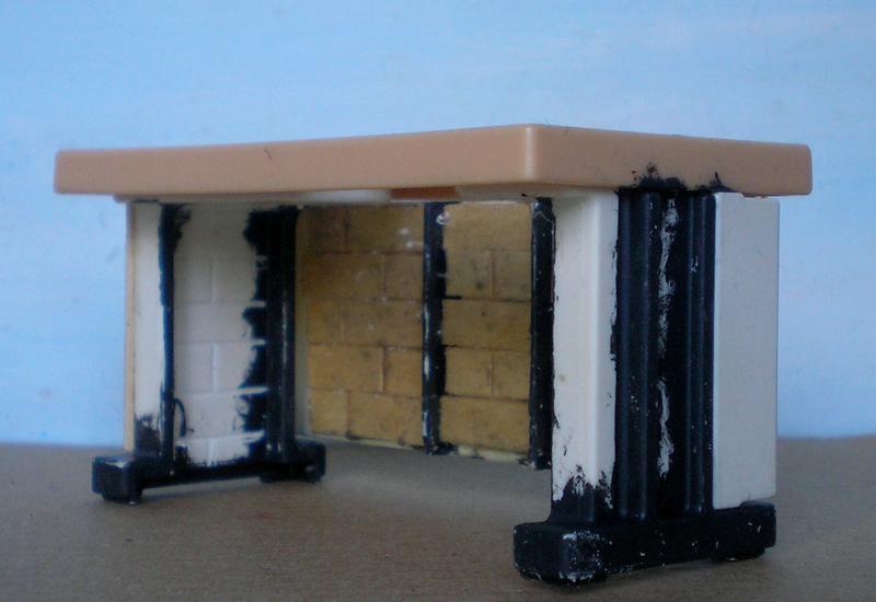 Ranch Ponderosa mit Plastik-Möbeln in der Figurengröße 9 cm 024e3c10