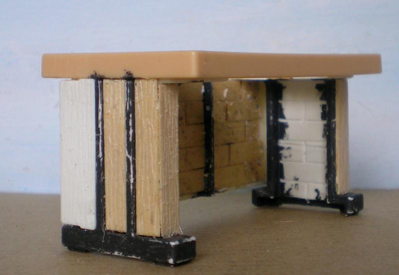 Ranch Ponderosa mit Plastik-Möbeln in der Figurengröße 9 cm 024e3c12