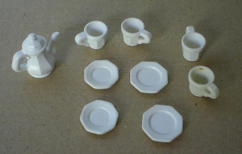 Möbel, Geschirr und ähnliche Kleinteile zur Figurengröße 7 cm - Seite 2 Pm_53219