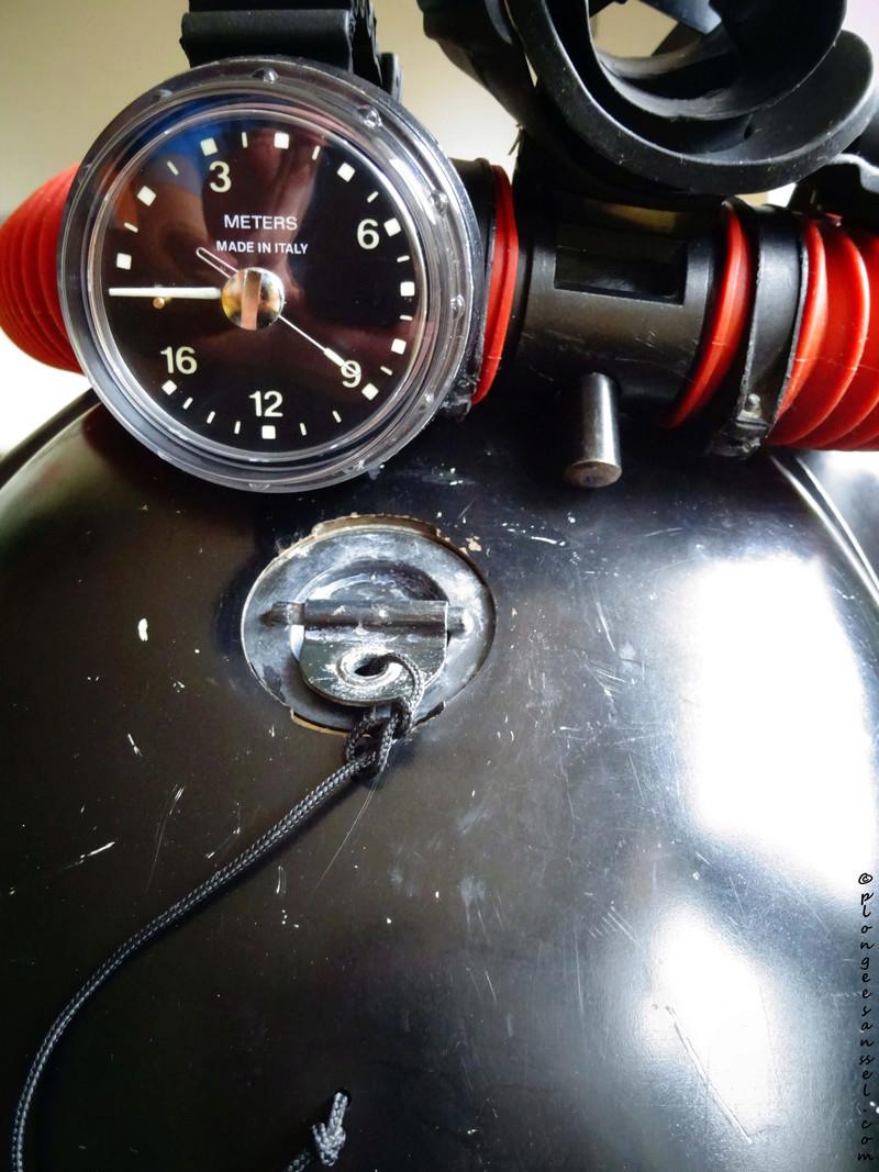 les profondimètres du plongeur en oxy pur Dsc04418