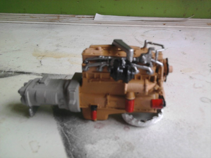 Revel Mack Super-Liner 1:24 Foto0215