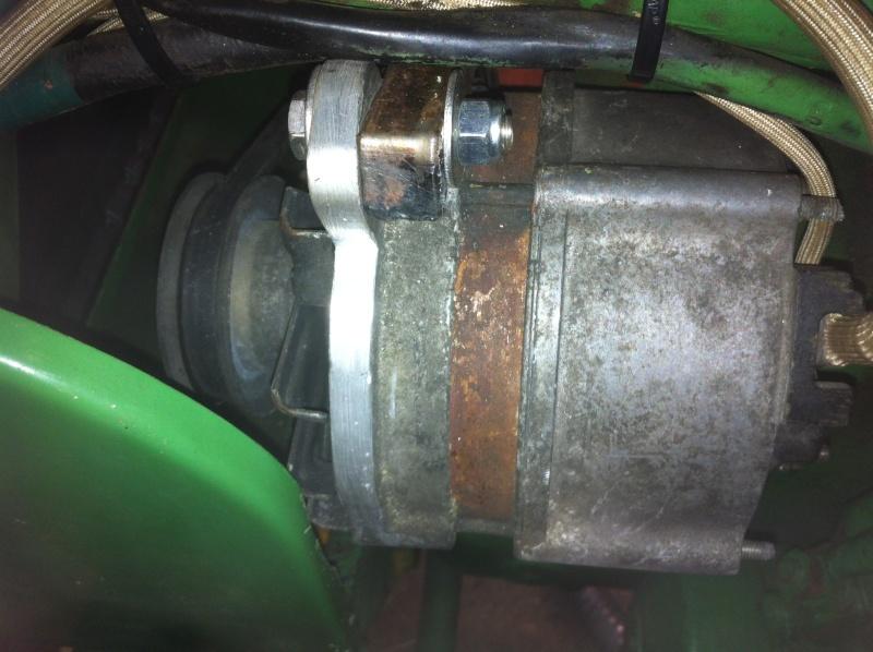 Remplacement de la dynamo part un alternateur sur D25 Img_1410