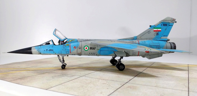 Mirage F1EQ Iranian AF [Special Hobby + Berna décals 1/72] Img_2031
