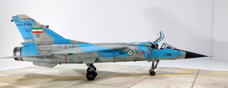 Mirage F1EQ Iranian AF [Special Hobby + Berna décals 1/72] Img_2037