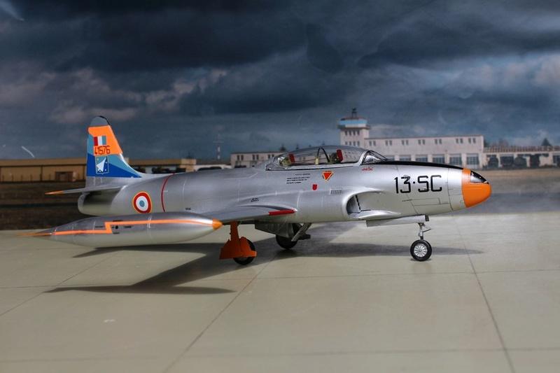LOCKHEED  T-33 A AA de Spécial Hobby. Lockhe38