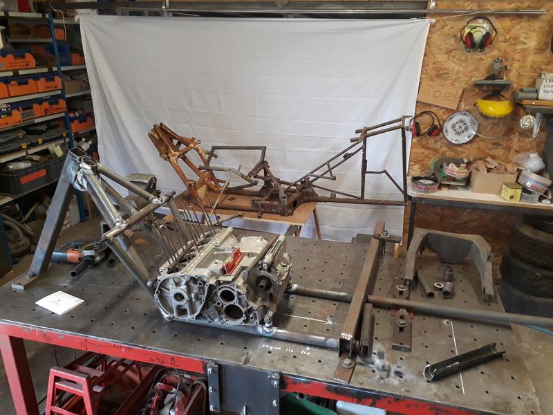 [Oldies] Restauration de mon side-car des années 1974/1975 (chassis court) - Page 2 20170910