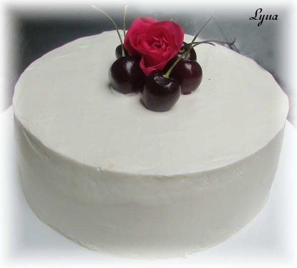 Gâteau à la vanille, glaçage crème au beurre à la meringue italienne Gateau10