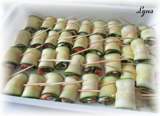 Rouleaux de courgettes au boursin et saumon fumé Roulea12